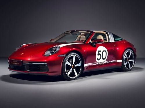 Porsche 911 Targa 4S Heritage Design Edition Pays Tribute to Tradition