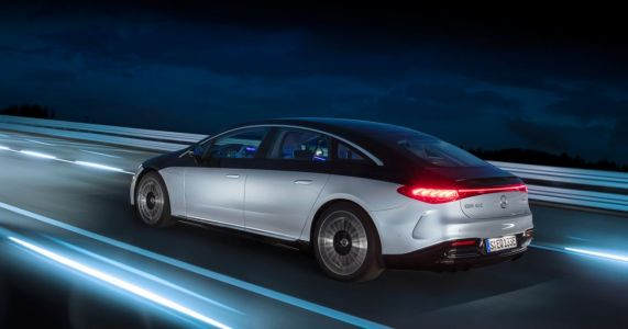 Want Full Rear Steering Angle In A Mercedes EQS? That's A €489 Per Year Subscription