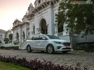 Kia Carnival MPV Gets Cash Discounts Of Up To Rs 375 Lakh For July 2021