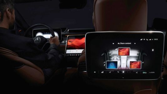 First Official Look At New Mercedes-Benz S-Class Interior
