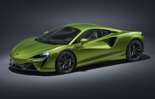 McLaren Artura Supercar Revealed With 671 HP of V6 Hybrid Power