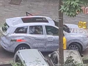 2021 Mahindra XUV500 Panoramic Sunroof Spotted For The First Time