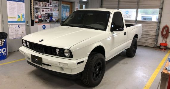 A Toyota Tacoma With An E30 3-Series Face Is A Weirdly Beautiful Match