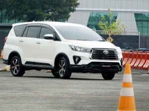 Facelifted Toyota Innova Crysta Expected To Launch on 24 November