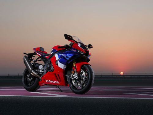 2021 Honda CBR1000RR-R Fireblade SP MC Commute Second Review Gallery