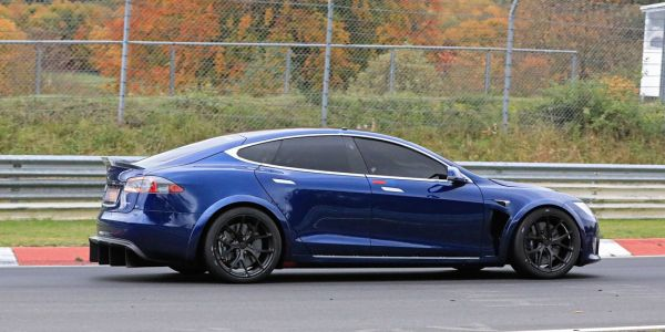 Tesla Model S Plaid Has Unofficially Beaten Porsche Taycan Nurburgring Lap By 29 Seconds