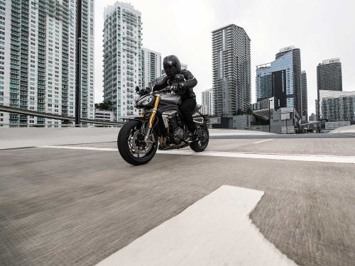 2021 Triumph Speed Triple 1200 RS First Look Preview