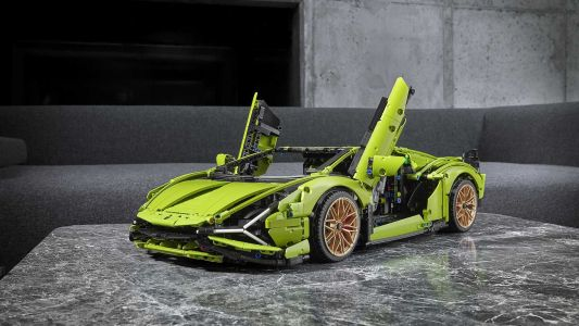 3,696 Piece Lego Technic Lamborghini Sián FKP 37 Revealed