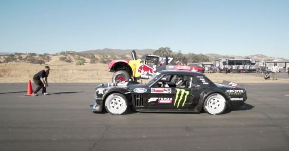 This Hoonicorn Vs Trophy Truck Drag Race Is Massively One-Sided But We Don't Mind