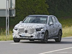 2022 Mercedes-Benz GLC Spotted Testing For First Time Audi Q5 BMW X3 Rival Reveal Expected Next Year