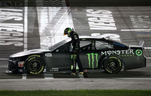 Kurt Busch wins 2020 South Point 400 at Las Vegas, ends long winless streak at home