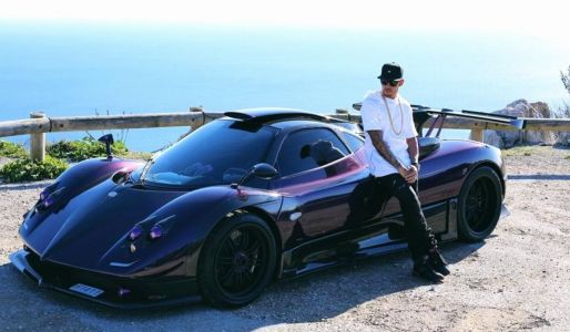 Lewis Hamilton Stops Driving His Exotic Cars To Save The Planet