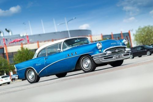 Things You Need To Look Out For When Buying Old-School Cars