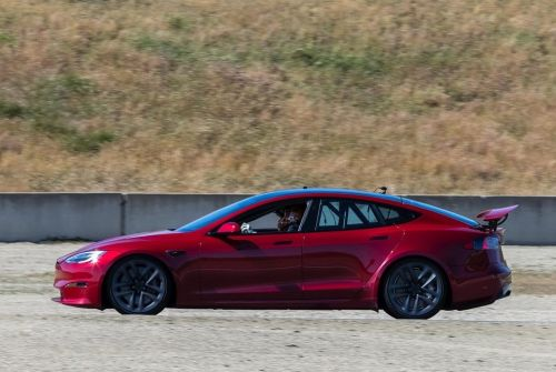 Tesla Model S Plaid Faster Than F8 Tributo and Turbo S at Laguna Seca