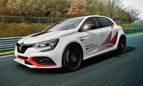 Renault Megane RS Trophy-R Revealed And Breaks FWD Nurburgring Record