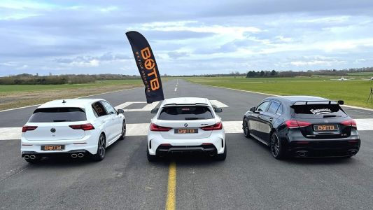New VW Golf R Shows Mercedes-AMG A35 and BMW M135i Flames In Drag Race
